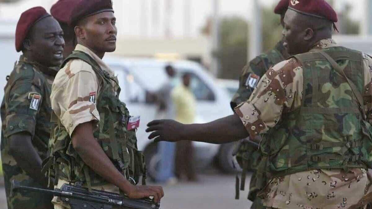 القوات السودانية حاصرت منزل أشقاء الرئيس البشير