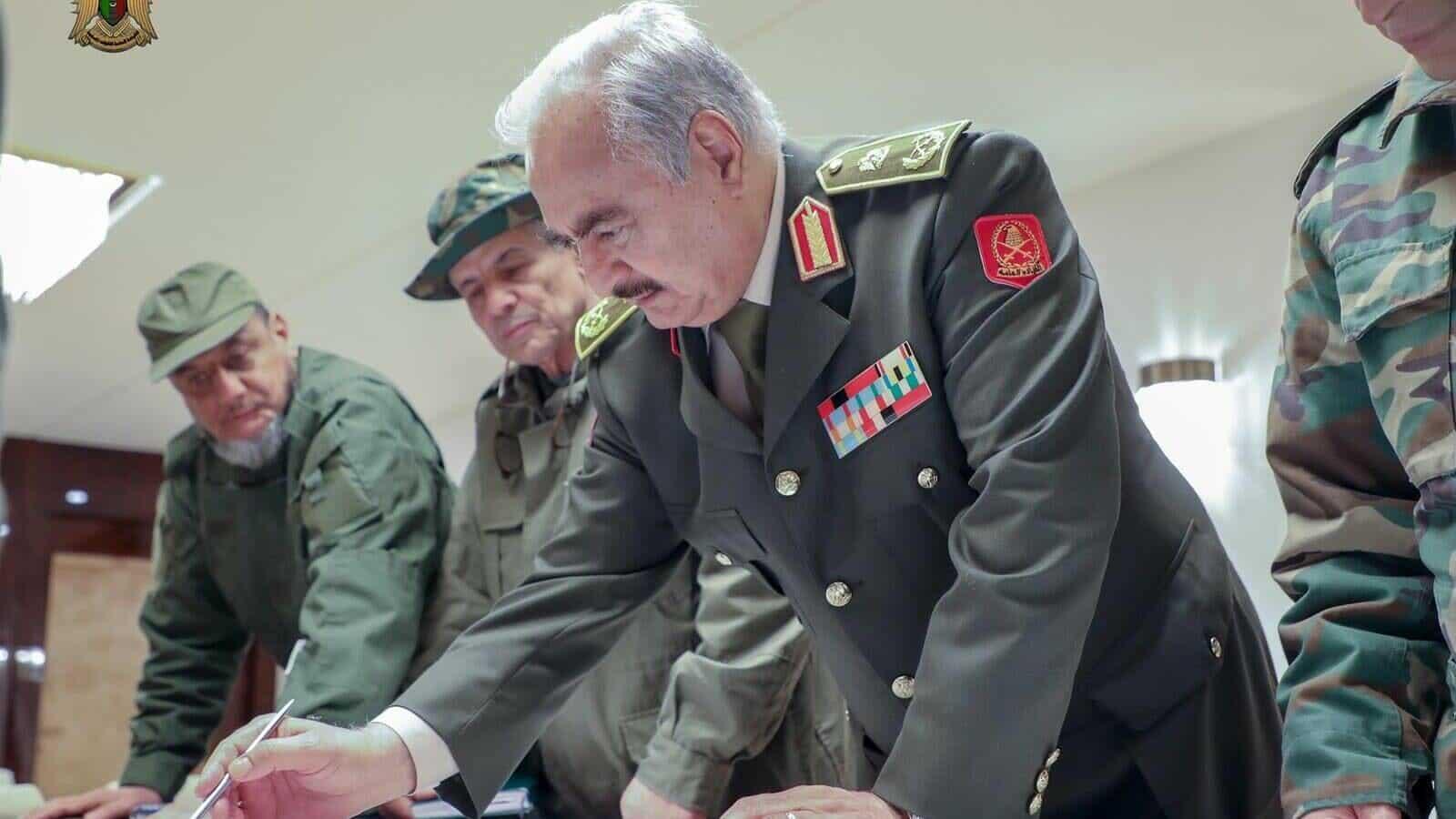 تفاصيل صادمة.. خليفة حفتر وعد إسرائيل بإقامة علاقات على أرفع مستوى