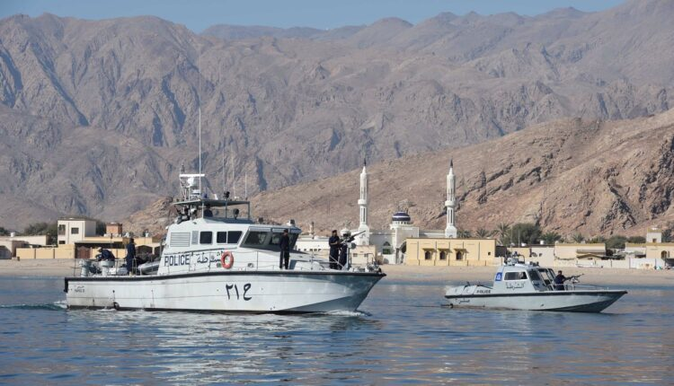 دوريات مركز شرطة خفر السواحل مسندم
