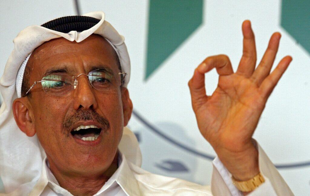 خبير إسرائيلي يمتدح ملك الخمور الإماراتي: انت رجل حكيم وذكي ولكن العرب غير متسالمين