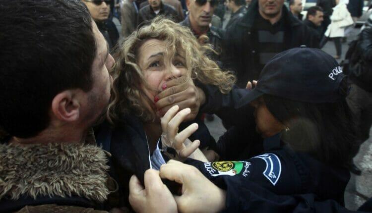 سجن المتظاهرين في الجزائر