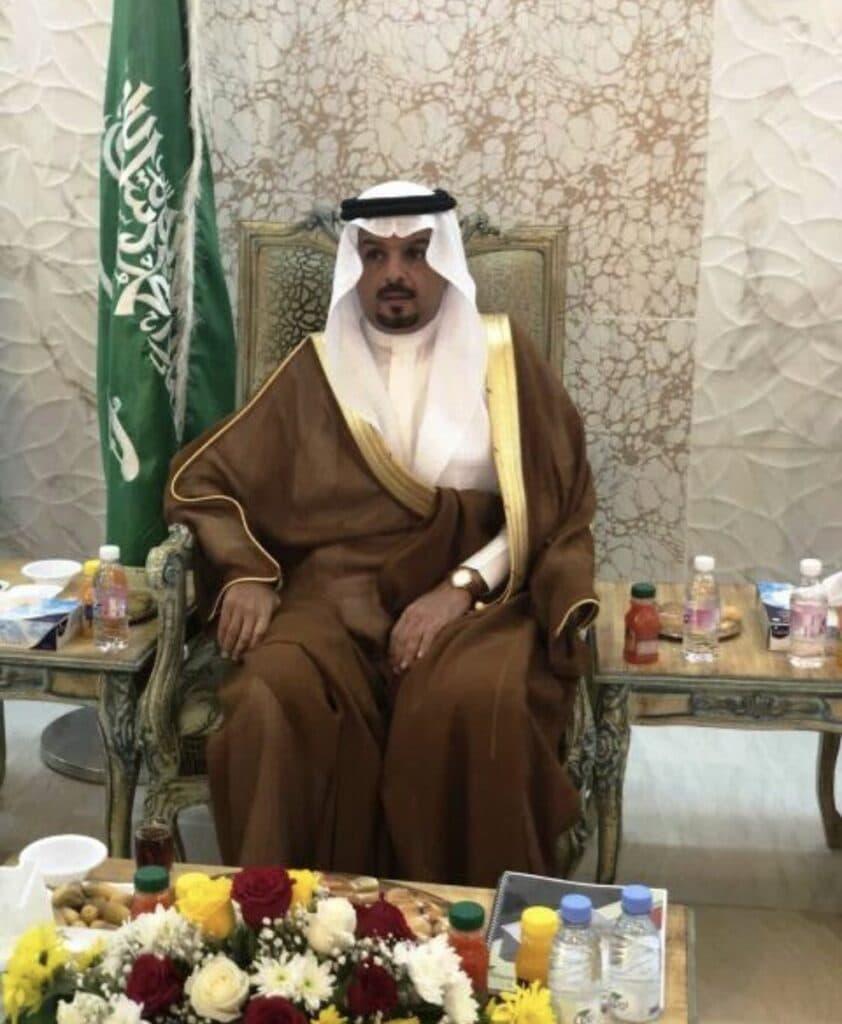 """إمارة مكة تعلن وفاة """"سعود القحطاني"""" أثناء رحلة علاجية في ألمانيا"""