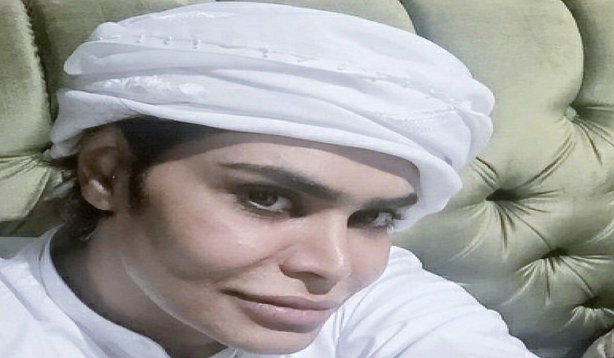 """شاهد  صورة لشقيق الفنانة الإماراتية """"أحلام"""" تُثير جدلاً بسبب """"ملامحه الأنثويّة""""!"""