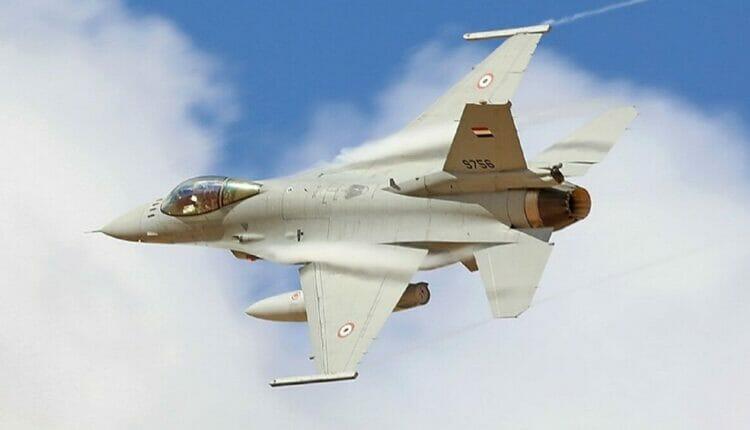 طائرات حرب مصرية تُحلق قرب طرابلس الليبية