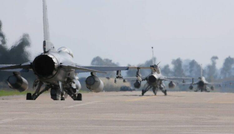 طيارون إسرائيليون تبادلوا المجاملات مع طيارين إماراتيين
