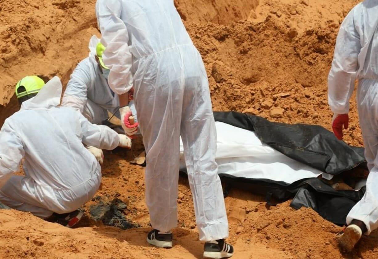 """مستشفى ليبي يستقبل عشرات الجثث لجنود حفتر ومصادر تكشف تفاصيل """"سحق"""" جنرال الإمارات"""