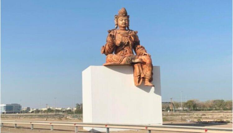 في الامارات تمثال بوذا