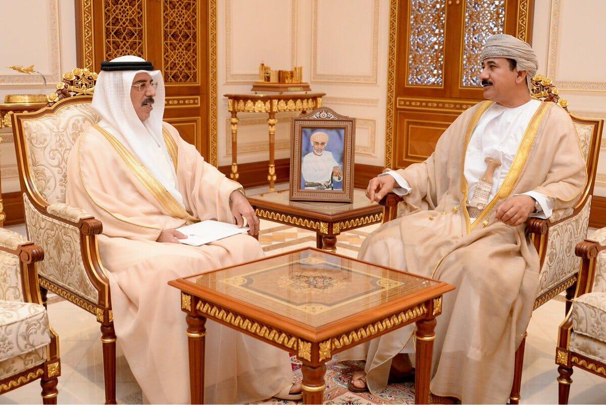 """""""شاهد"""" تصريحات مثيرة لسفير الإمارات في سلطنة عمان عن خلية التجسس وعُمانيون: """"لا دخان بدون نار"""""""