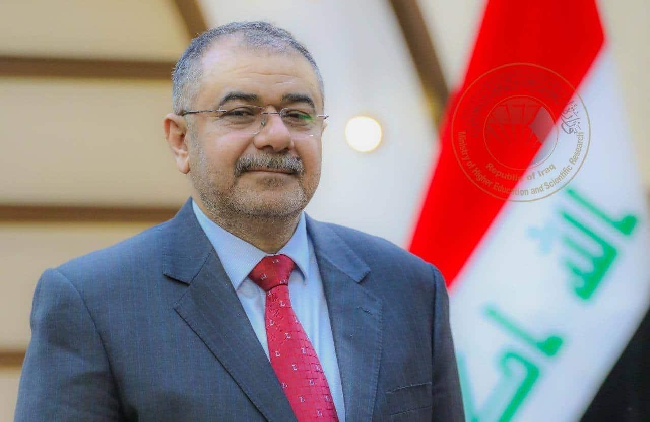 """شاهد الفيديو الذي أغضب وزير التعليم العراقي وأمر بفتح تحقيق فوريّ فيه والسبب """"صدام"""""""