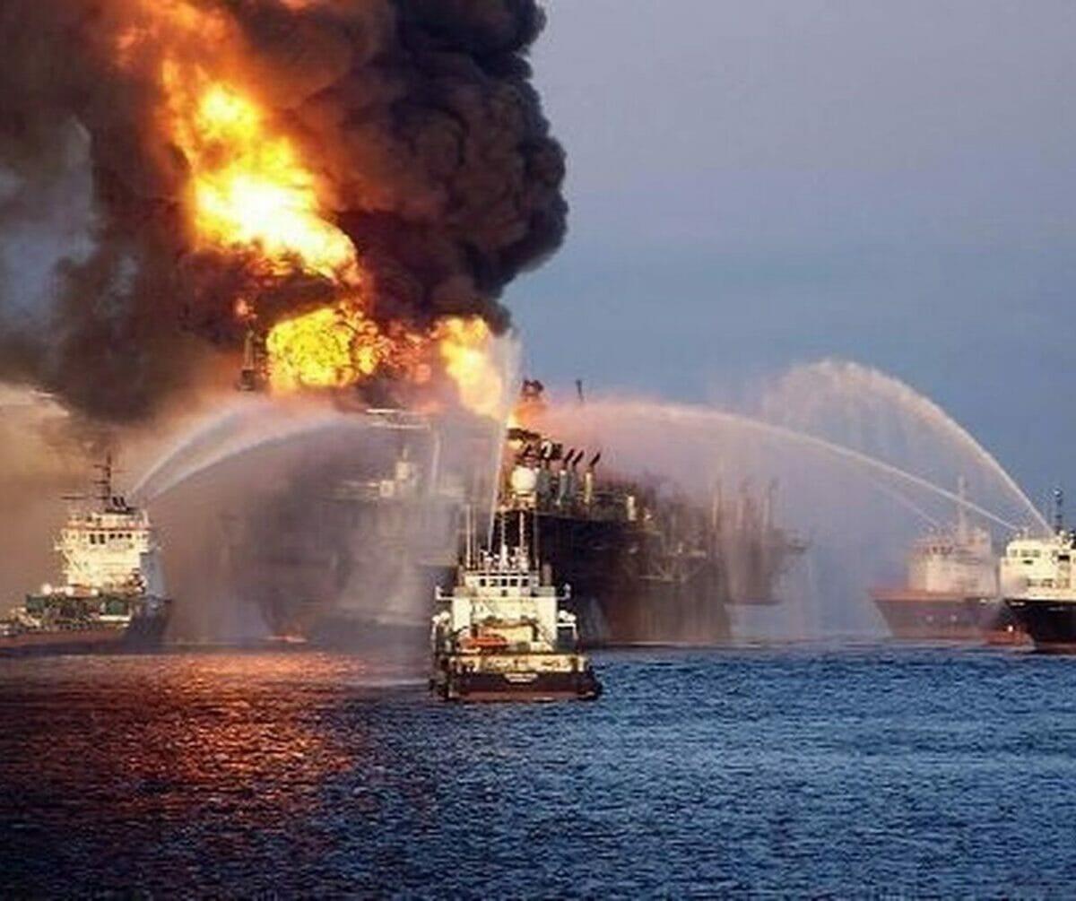 تفجيرات ميناء الفجيرة