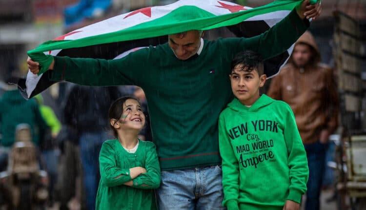 سوريون