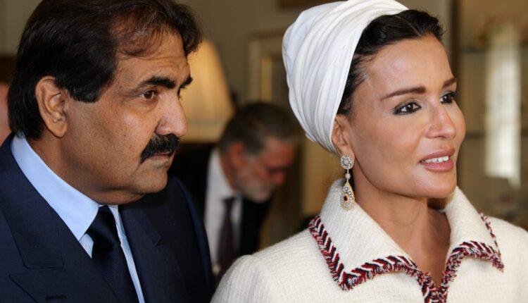 الشيخة موزا برفقة الشيخ حمد