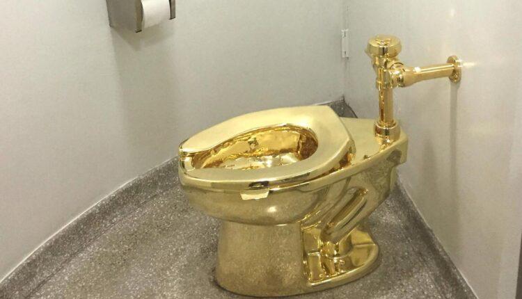مرحاض مرصع بالألماس في دبي