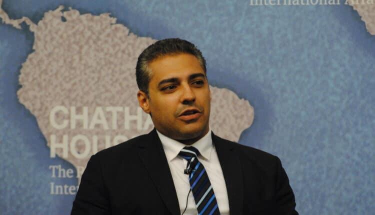 الصحفي الكندي من اصل مصري محمد فهمي