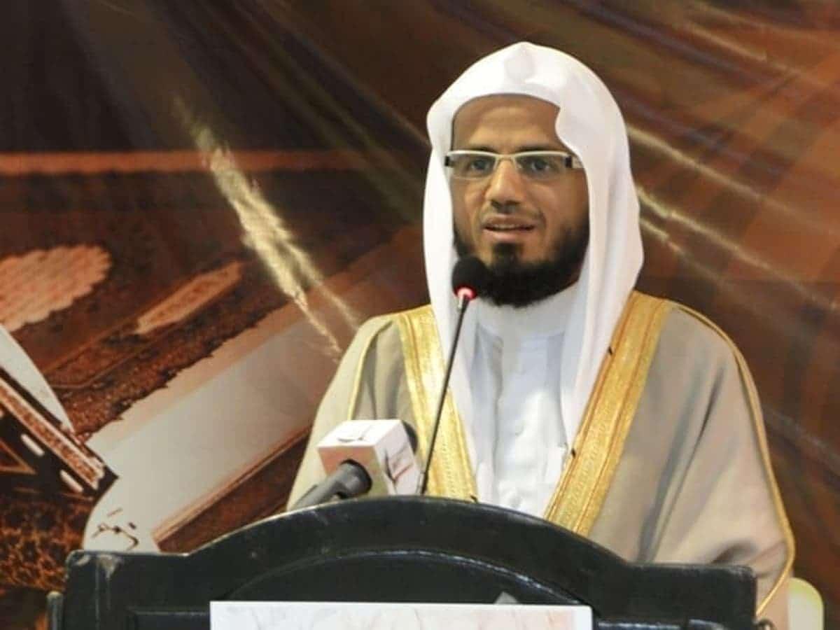 """""""كورونا"""" يُصيب القاريء السعودي أبوبكر الشاطري .. وهذه حالته الصحية الآن"""