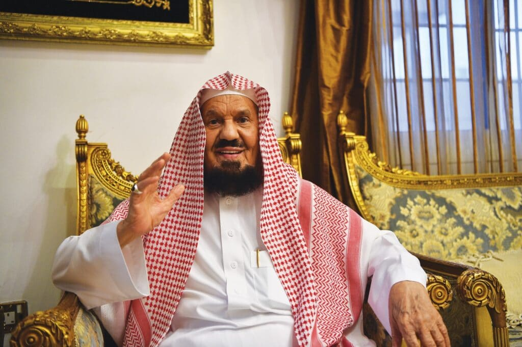 """""""شاهد"""" خطبة عرفة اقتصرت على التطبيل للملك وولي عهده وهذا ما قاله المنيع عن قرارات """"أبومنشار"""" الحكيمة"""