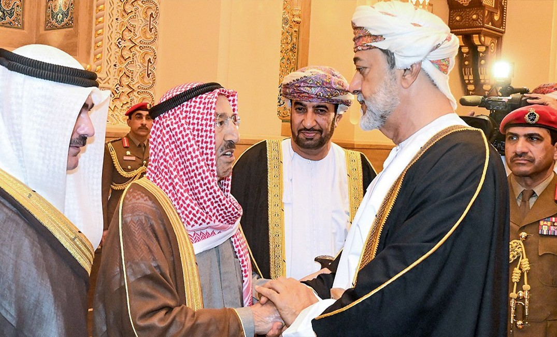 سلطنة عُمان الدولة الوحيدة التي أقدمت على هذا الأمر عقب وفاة أمير الكويت الشيخ صباح الأحمد
