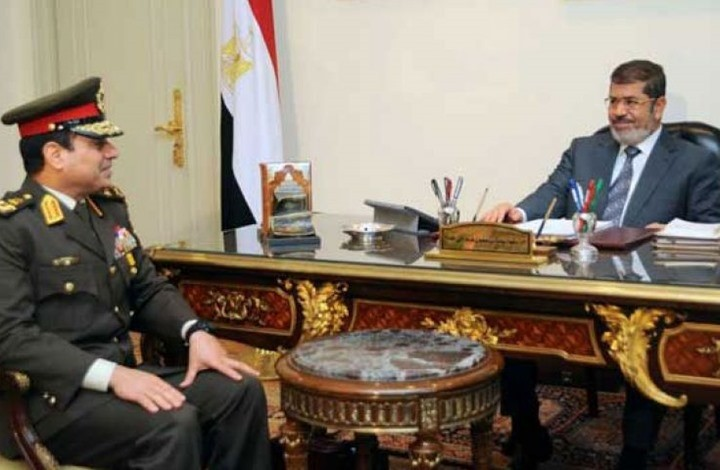 """السيسي لم يكتف بالانقلاب على """"مرسي"""" وقتله وأصدر قرارا لنهب جميع أموال وممتلكات زوجته وأولاده"""
