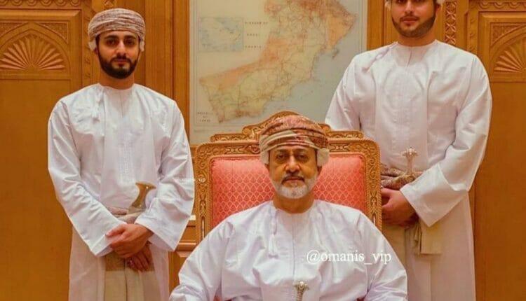 السلطان هيثم وأبناؤه