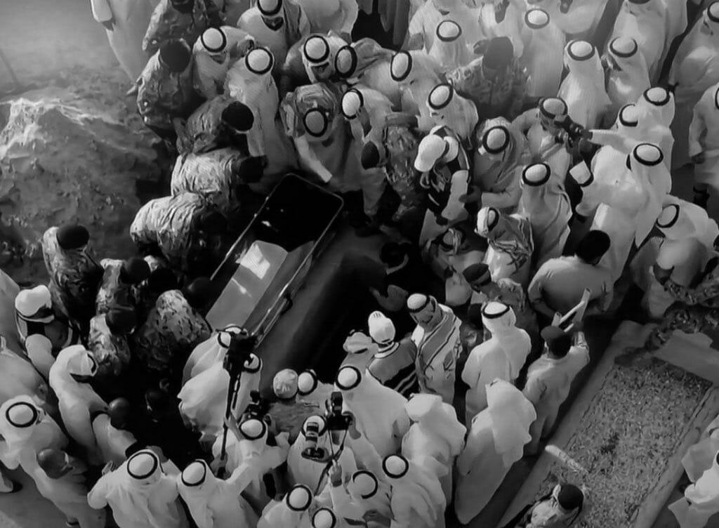 """""""شاهد"""" مقطع مؤثر لأمير الكويت الراحل صباح الأحمد عن الموت يحظى بتفاعل واسع"""