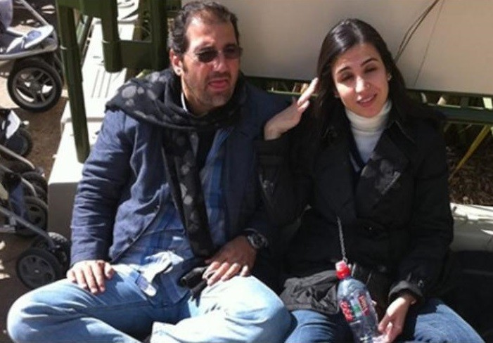 رامي مخلوف مع زوجته رزان