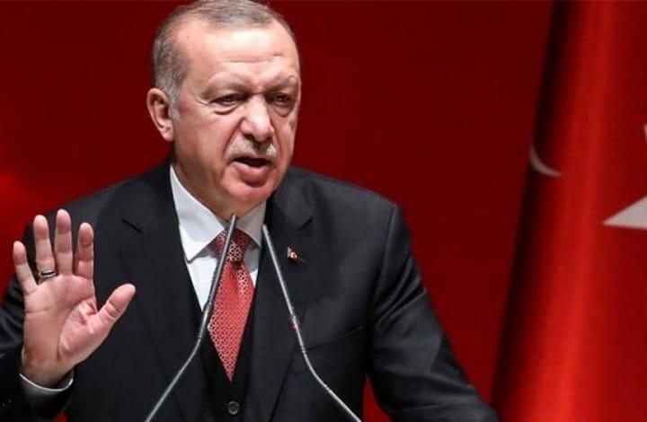 الانقلابيون سيهزمون.. أردوغان يوجه رسالة إلى دول الخليج التي تخشى من قواته ومن على رأسه بطحه يتحسسها