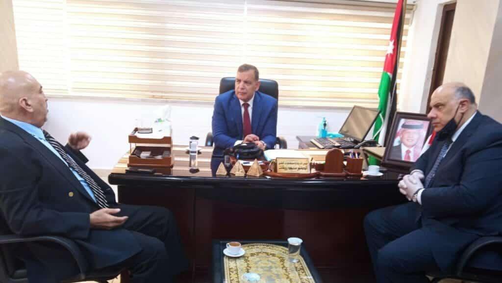 """""""الوزير قلي دبر حالك"""".. """"شاهد"""" مسؤول أردني يفضح وزير الصحة ويكشف ما كان يدور خلف الكواليس بالحرف الواحد!"""