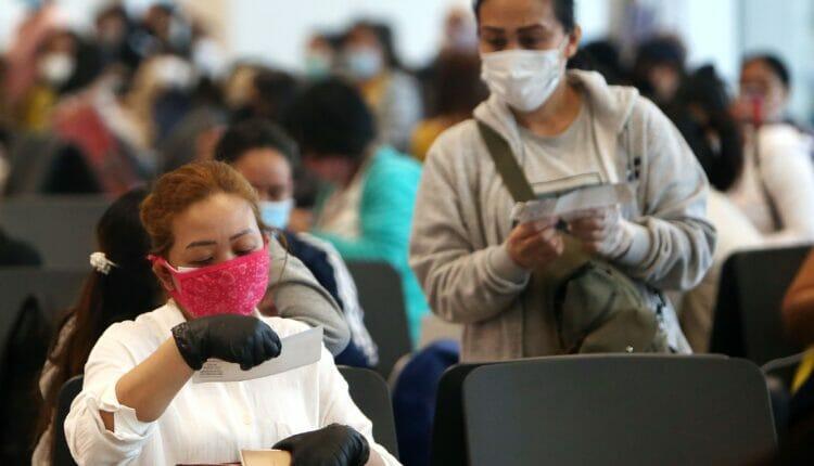 عاملات أجنبيات في الإمارات