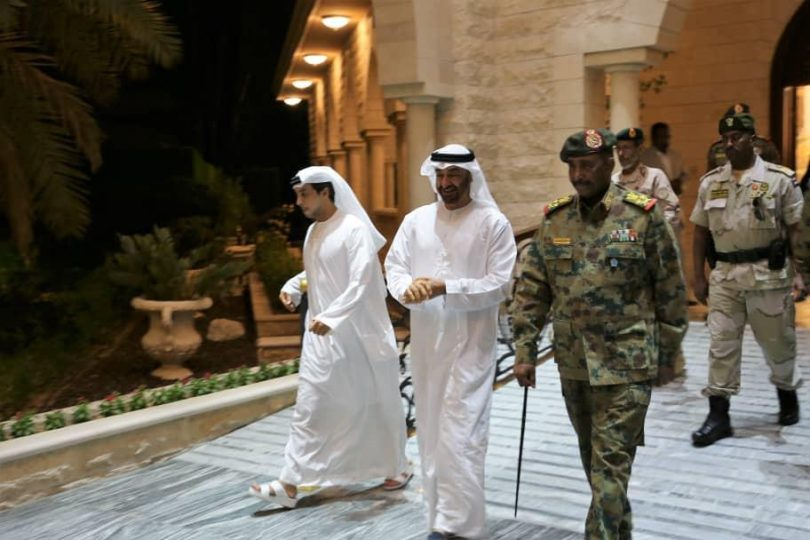 محمد بن زايد وعبدالفتاح البرهان - التطبيع مع إسرائيل