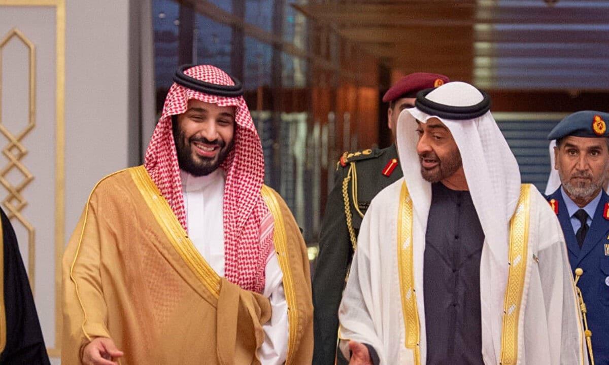 تقرير أمريكي: ابن سلمان عالق بين ضغط ترامب وسوسة ابن زايد وهكذا حرقت عُمان والكويت دم المحاصرين في دعم قطر