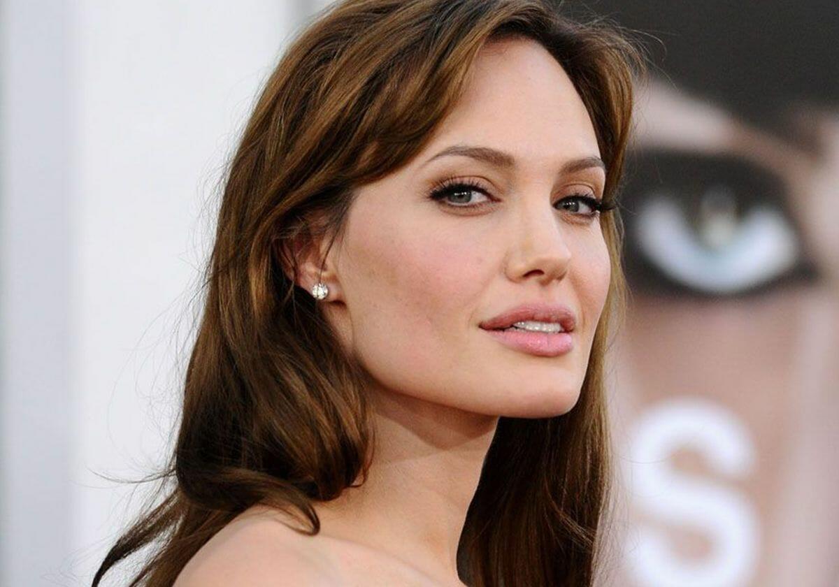معلومات صادمة عن الحياة الجنسية للنجمة أنجلينا جولي