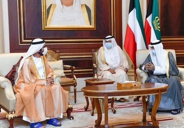 ملابس حاكم دبي محمد بن راشد في عزاء امير الكويت تثير السخرية