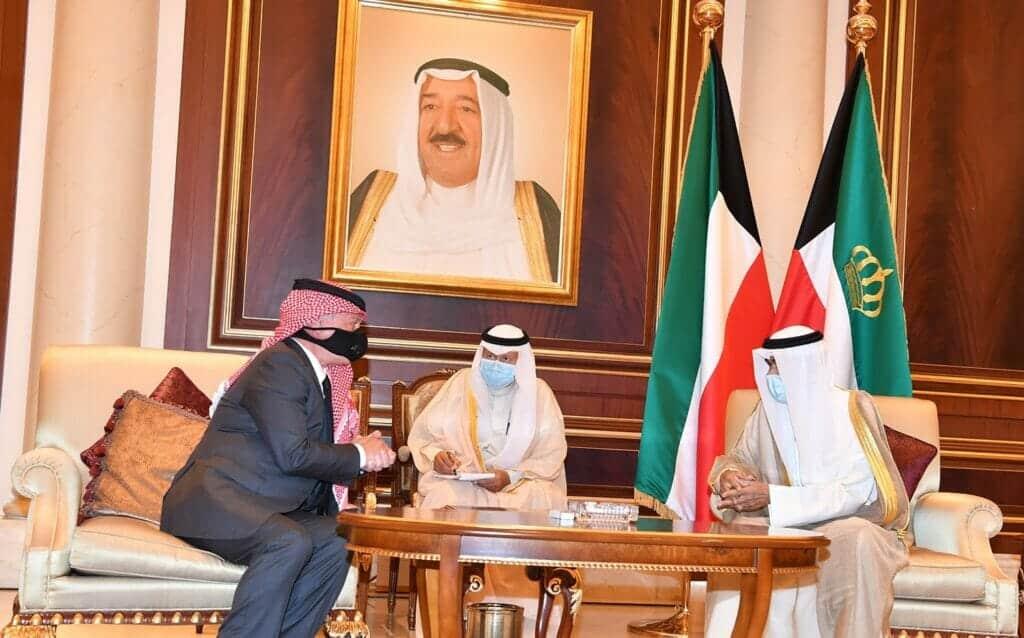 """بعد أنباء """"المصالحة"""" واستجابة الملك سلمان.. أمير الكويت يبعث برسالة لملك الأردن الذي يتعرض لضغوط إماراتية"""