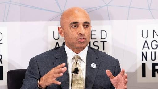 يوسف العتيبة سفير الإمارات في أمريكا - سلطان عُمان