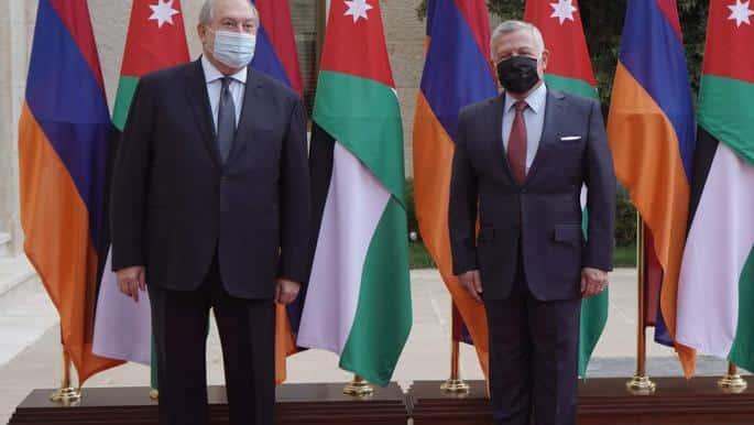 زيارة مفاجئة من رئيس أرمينيا لملك الأردن.. هل طلب وساطته لدى أردوغان بعد هزيمته المذلة بأذربيجان؟