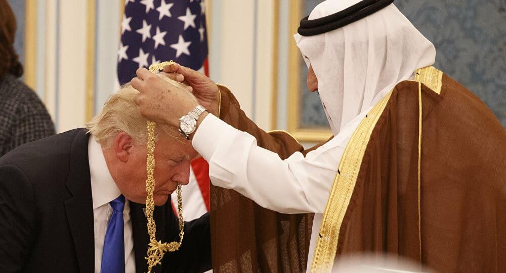 الملك سلمان و ترامب ، الذباب الإلكتروني
