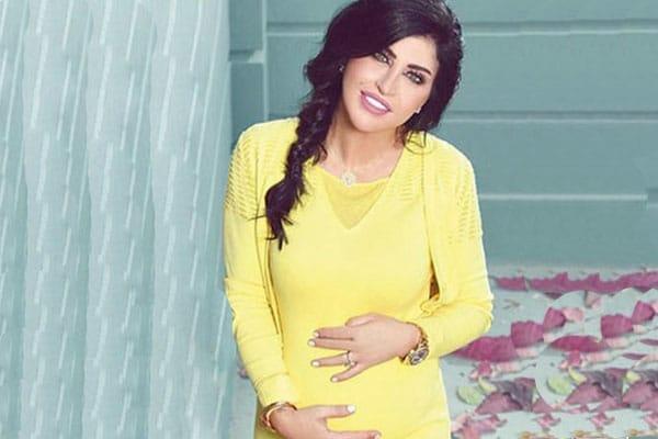 """""""شاهد"""" جومانا مراد تُعري بطنها في فيديو """"وقح"""" بعد ولادتها توأم لتثبت هذا الأمر!"""