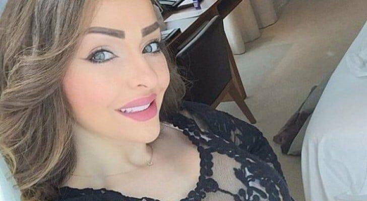 """""""شاهد"""" الأردنية زين كرزون تثير ضجة بصدرها المكشوف في هذا الفيديو!"""