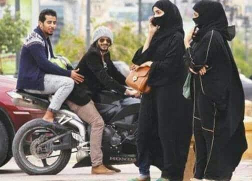 شاب يهدد فتاة بساطور في الكويت ليأخذ رقم جوّالها