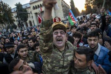 فرحة في أذربيجان بعد هزيمة أرمينيا