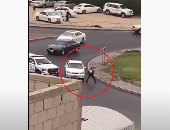 محاولة دهس شرطي في الكويت