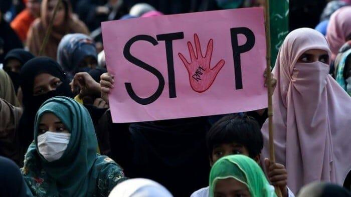 مظاهرة ضد التحرش في باكستان الغتصاب الاخصاء
