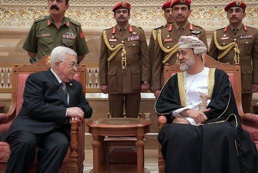 هيثم بن طارق ومحمود عباس