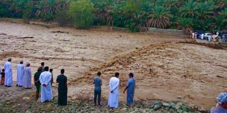 وفاة طفلين جرفتهما جرفتهما المياه في مجرى وادي الحواسنة بولاية الخابورة