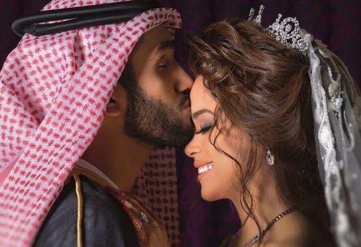 أحمد خميس و مشاعل الشحي