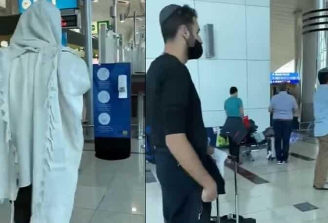 اسرائيليون يؤدون صلواتهم في مطار دبي