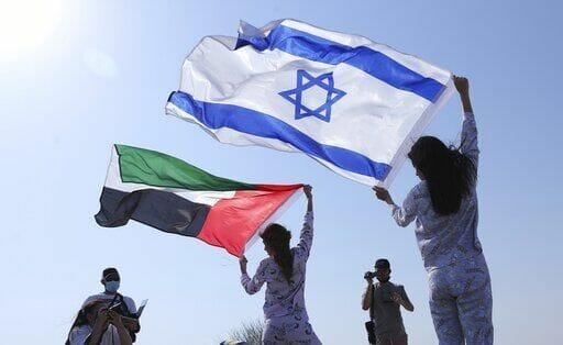 مسؤول إماراتي يدعو لضم إسرائيل وإيران إلى جامعة الدول العربية: خذوها مني الله يهديكم