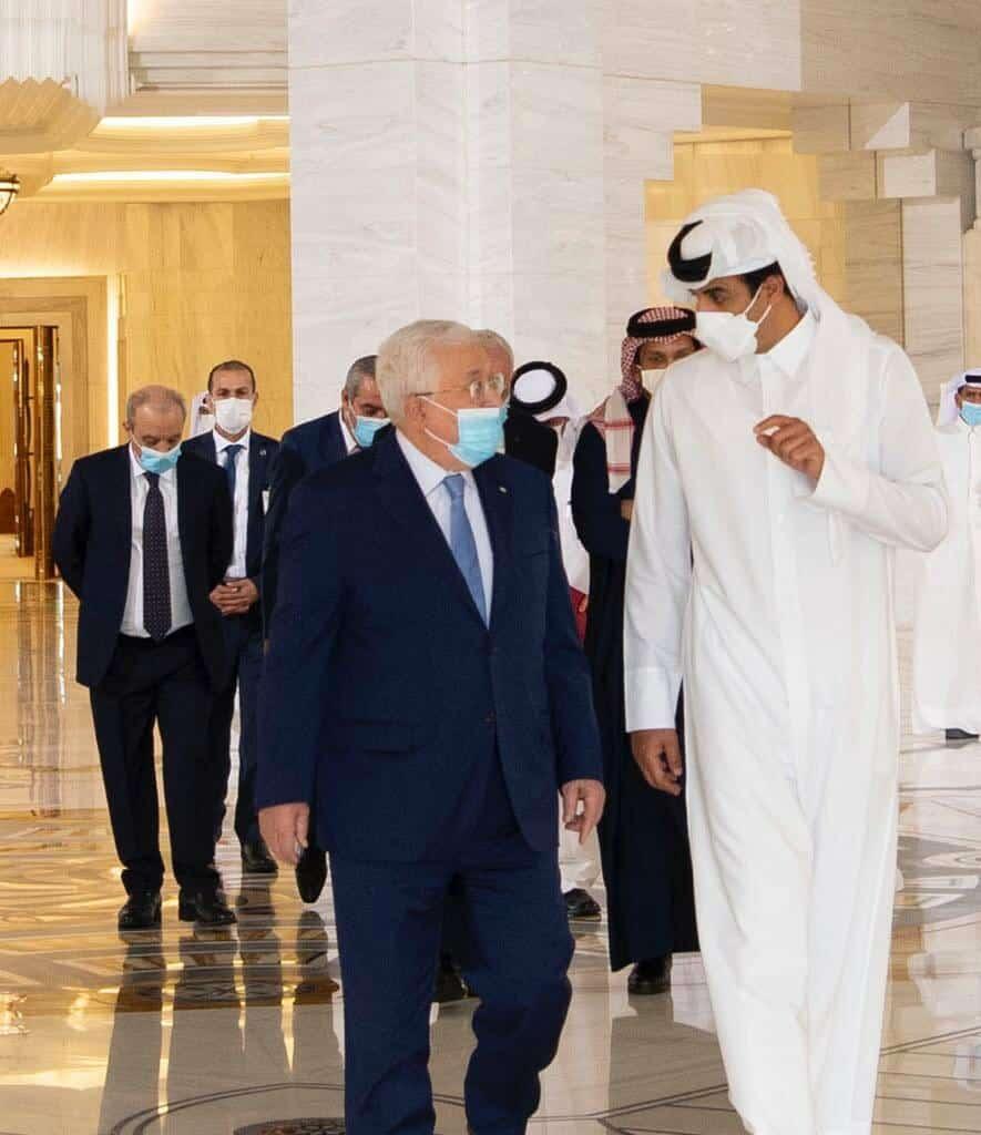 الرئيس الفلسطيني والشيخ تميم بن حمد