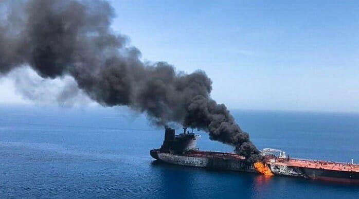 انفجار في ناقلة نفط بميناء جدة السعودي