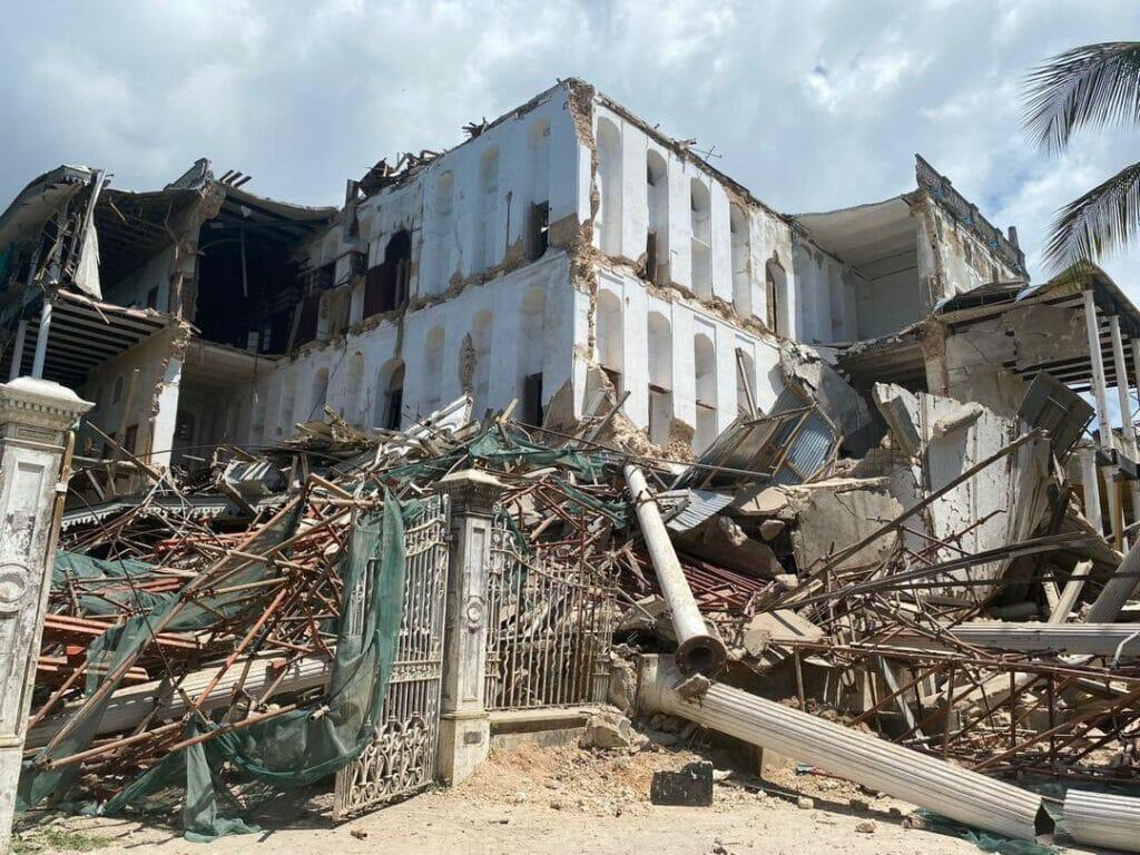 انهيار انهيار بيت العجائب في زنجبار